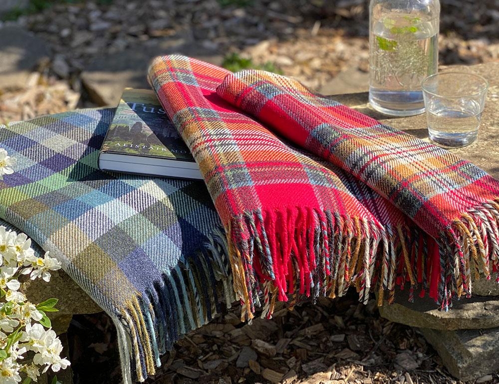 Lochcarron Recycled Wool Fleur Blankets